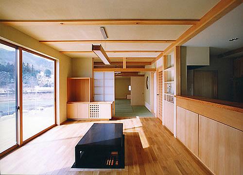 日向畑に建つ現代和風の家